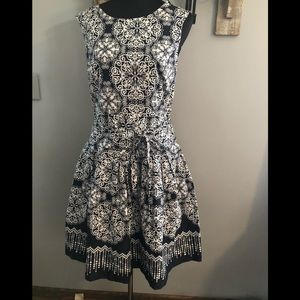 Robbie Bee fit and flare sleeveless dress